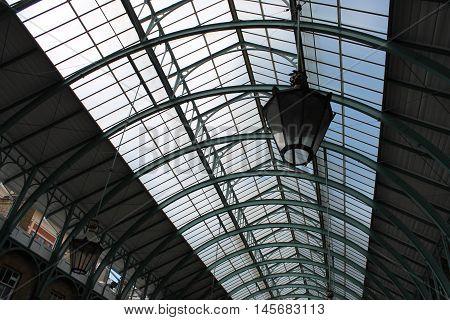 Dettagli di Covent Garden, noto mercato coperto londinese