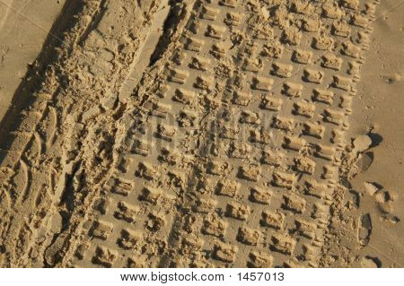 Path Of Car In Sand3