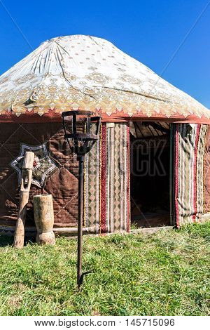 Yurta - the nomadic peoples of Asia House