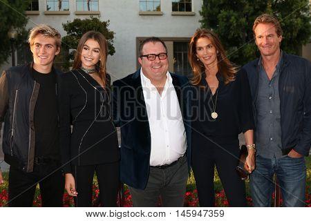 LOS ANGELES - AUG 31:  Presley Gerber, Kaia Gerber, Sean Hanish, Cindy Crawford, Rande Gerber at the
