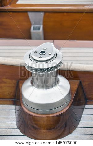 Close view of rope fastening mechanism in a yacht