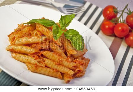 pennette with tomato sauce and tunafish