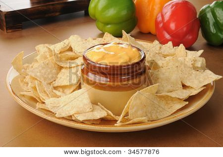 Tortilla Chips With Salsa Con Queso