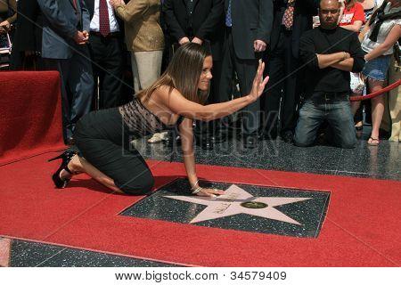 Los Angeles-Apr 3: Halle Beere bei einer Zeremonie, wo Halle Beere ist mit einem Stern auf dem Holly geehrt,