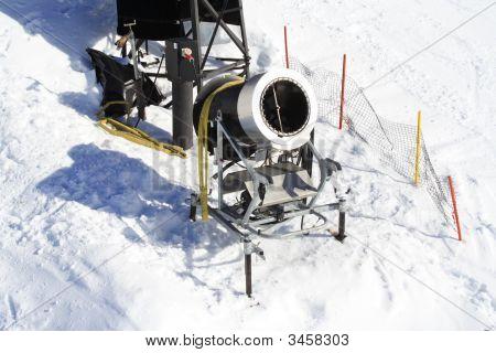 Snow Maker Machine