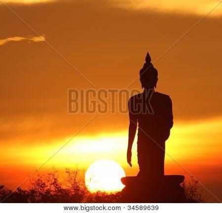 Silhueta da estátua de Buda