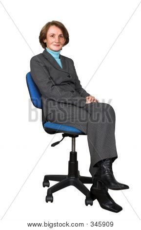 Business-Frau auf einen Bürostuhl