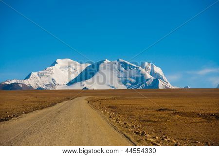 Curving Dirt Road Tip Himalayas Mountain