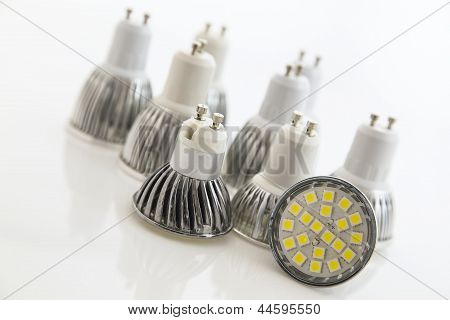 Different Cooling Smd Chips On Led Bulbs