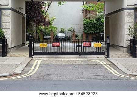 Private Gate
