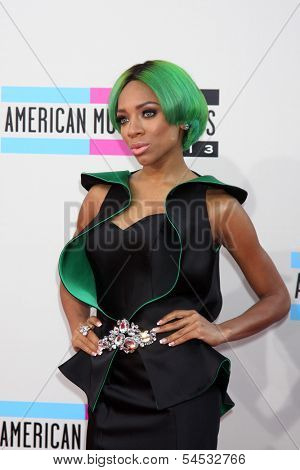 LOS ANGELES - NOV 24:  Lil Mama at the 2013 American Music Awards Arrivals at Nokia Theater on November 24, 2013 in Los Angeles, CA