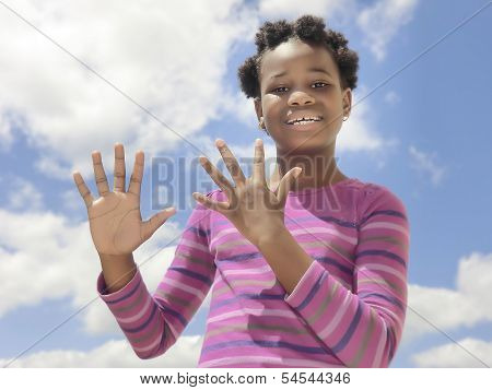 African child showing numbers (from 0 to 10)  on the fingers
