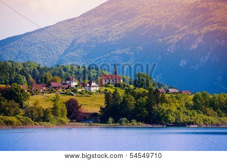 Lac D'aiguebelette And Village
