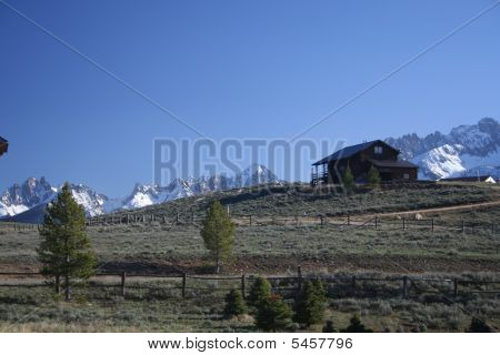 Mountain_home_sawtooths_img_0377