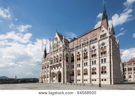 Budapest, View Of Parliament