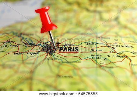 Paris map with pin