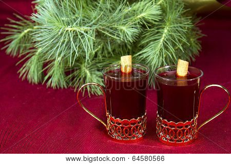 Mulled WIne with Evergreen
