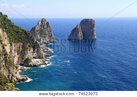 Gorgeous Landscape Of Famous Faraglioni Rocks On Capri Island, Italy. Capri Is Located On Tyrrhenian