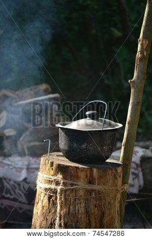 Black Kettle, Pot Caldron On The Beam