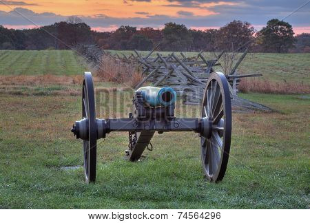 Artillery near fence line at Gettysburg