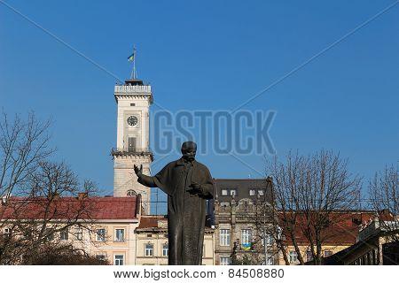 Lviv City Hall and Taras Shevchenko monument