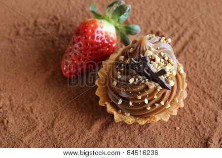 caramel cupcake with strawberry