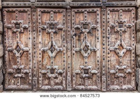 Wooden Doors With Relief Carved Patterns