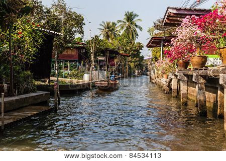 Ratchaburi Village
