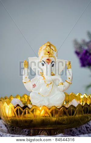 Ganesha Hindu God Statue