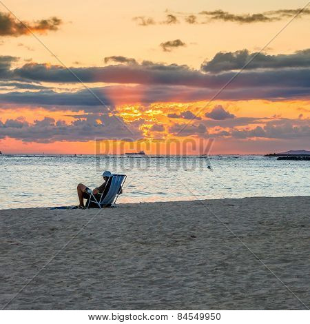 Sunset In Waikiki Beach - Honolulu