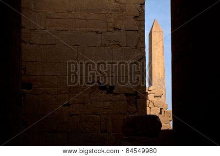 The Karnak obelisk sits in a gap between the Karak temple