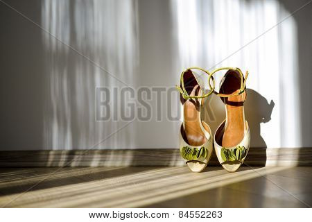 Bridal Shoes With Green Bow