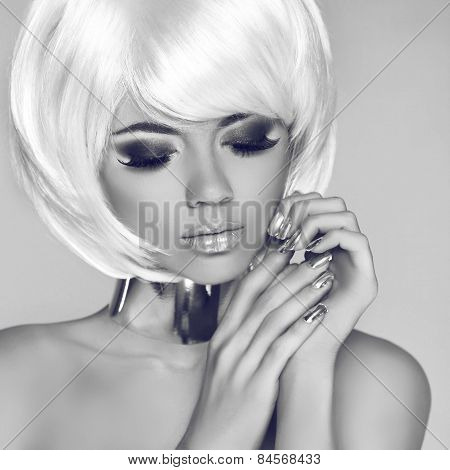 Eye Makeup. Smokey. Fashion Beauty Blond Girl Portrait With White Short Hair. Face Close-up. Haircut