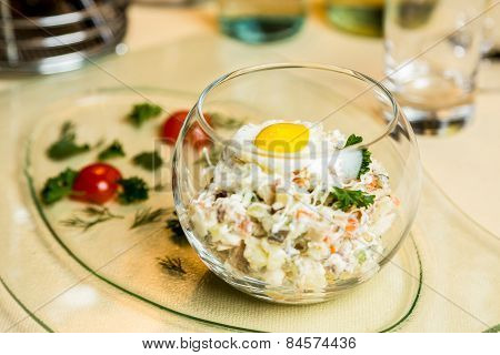 Restourant Serving Dish - Salad In Glass On Table