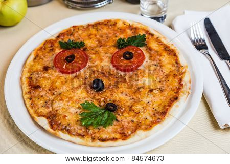 Restourant Serving Dish For Child`s Menu - Pizza With Face
