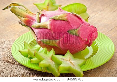 Dragon fruit and carambola