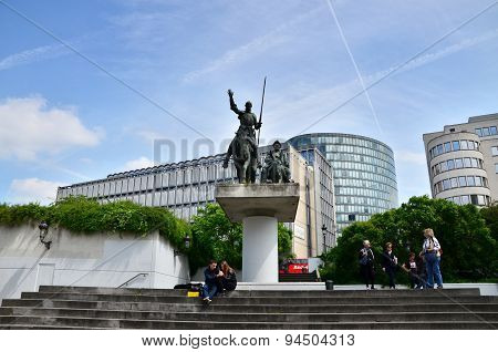 Brussels, Belgium - May 12, 2015: People At Don Quixote & Sancho Panza Statue In Place D'espagne