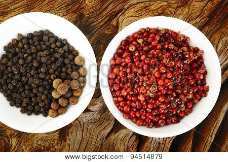 Red Peppercorns Seeds And Black Pepper