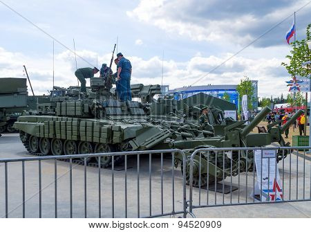 Russian mine clearing vehicle BMR-3MA