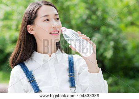 Summer Thirsty Girl