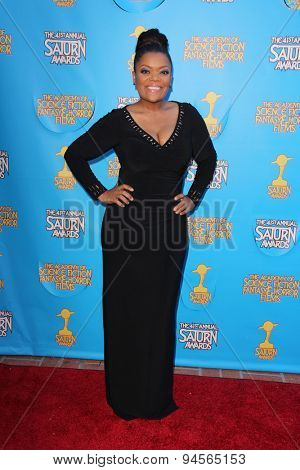 LOS ANGELES - JUN 25:  Yvette Nicole Brown at the 41st Annual Saturn Awards Arrivals at the The Castaways on June 25, 2015 in Burbank, CA