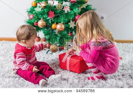 Children With Christmas Present