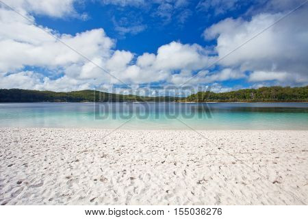 The blue water of Lake McKenzie on Fraser Island