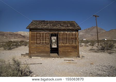 An abandoned building in the ghost town of Rhyolite, Nevada
