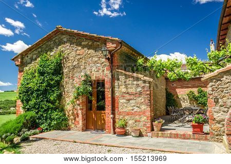 Small summer cottage agriturismo in Tuscany, Italy