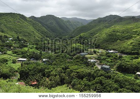 Small Maui village in a green valley, Hawaii
