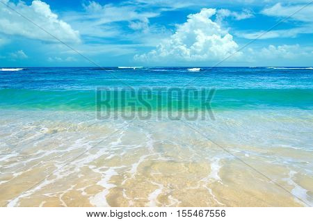 Ocean and tropical sandy beach background (Hawaii Kauai)