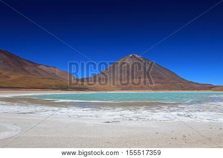 Laguna verde, green lagoon in southern Bolivia