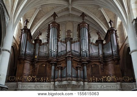 BOURDEAUX, FRANCE - JULY 5, 2016: Pipe organ in the Bordeaux Cathedral in Bordeaux, Aquitaine, France.