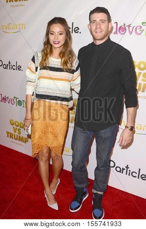 LOS ANGELES - NOV 7:  Jamie Chung, Bryan Greenberg at the